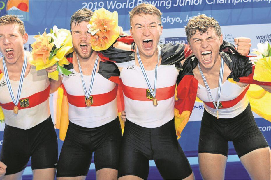 Unbändige Freude herrschte beim Waltroper Sören Henkel (re.) und seinen Teamkollegen (v.li.) Elrond Kullmann, Paul Berghoff und Alexander Finger. Die intensive Vorbereitung der letzten Wochen wurde mit dem Gewinn der WM-Goldmedaille belohnt
