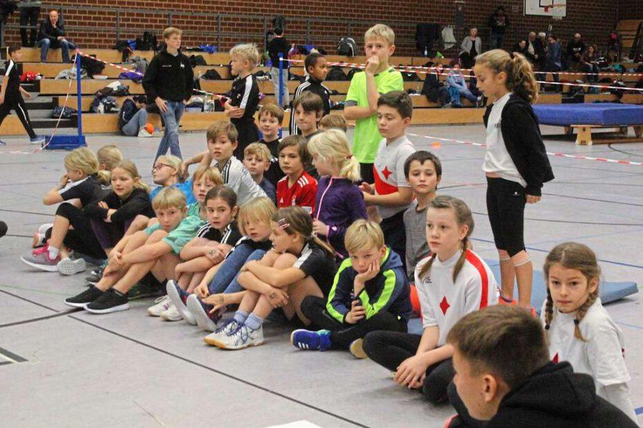 150 Kinderruderer aus ganz NRW waren auf Einladung des RV Waltrop zu Gast bei der Talentiade in der Halle des Sportzentrums Nord