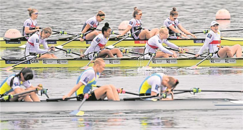 Alles gegeben: Franziska Kampmann (Boot in der Mitte, ganz rechts) freut sich über EM-Bronze.